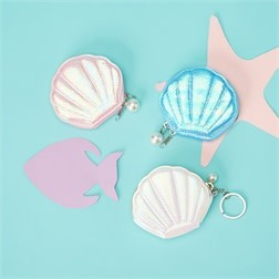 TWO'S COMPANY CUPCAKES AND CARTWHEELS:  SEA SHELL COIN PURSE