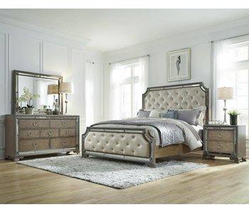 Pulaski Karissa Bedroom Set (Light Wood)