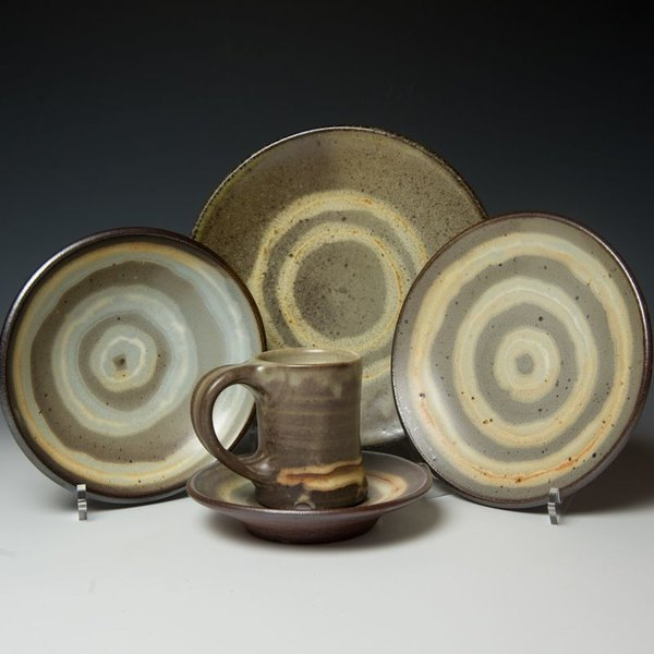 The Southern Table Courtney Martin, 5 Piece Dinnerware Setting, stoneware