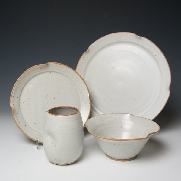 Betsy Ledbetter 3-Piece Dinnerware Setting & The Southern Table Betsy Ledbetter 3-Piece Dinnerware Setting ...