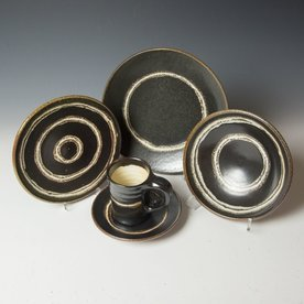 Courtney Martin Courtney Martin, 5 Piece Dinnerware Setting, stoneware