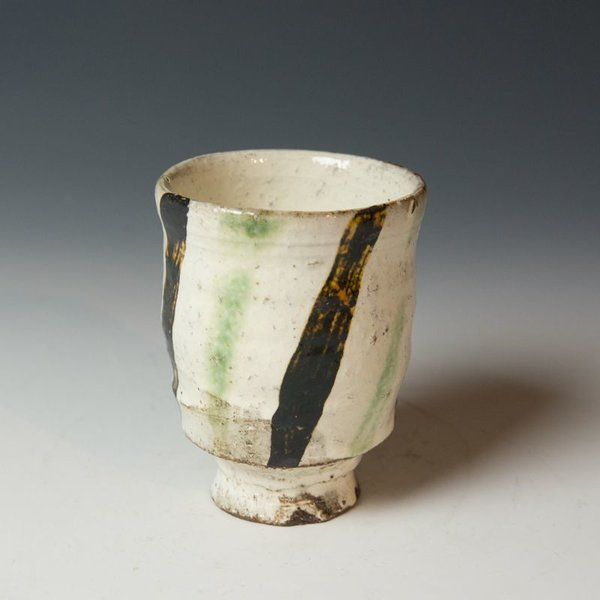 Michael Hunt & Naomi Dalglish, Yunomi, white slip, sgraffito, copper green