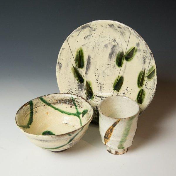 Michael Hunt & Naomi Dalglish, Dinner Plate, white slip, sgraffito, copper green