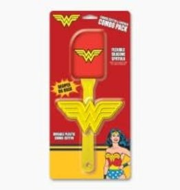 ICUP Wonder Woman Cookie Cutter & Spatula Combo