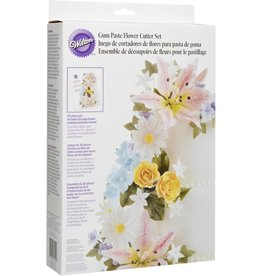 Wilton Gum Paste Flower Cutter Set (26 piece)