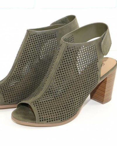 Joia roadway cage wedge