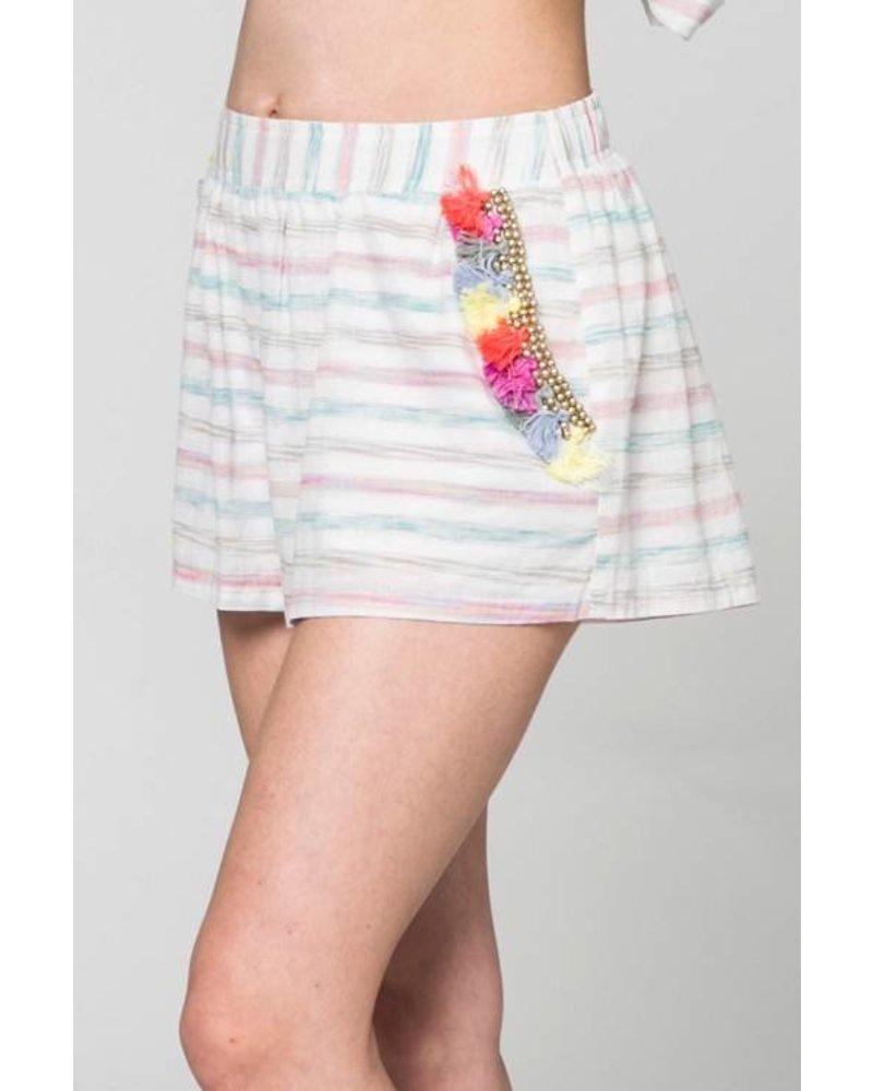 Ip6875a tassle edge shorts