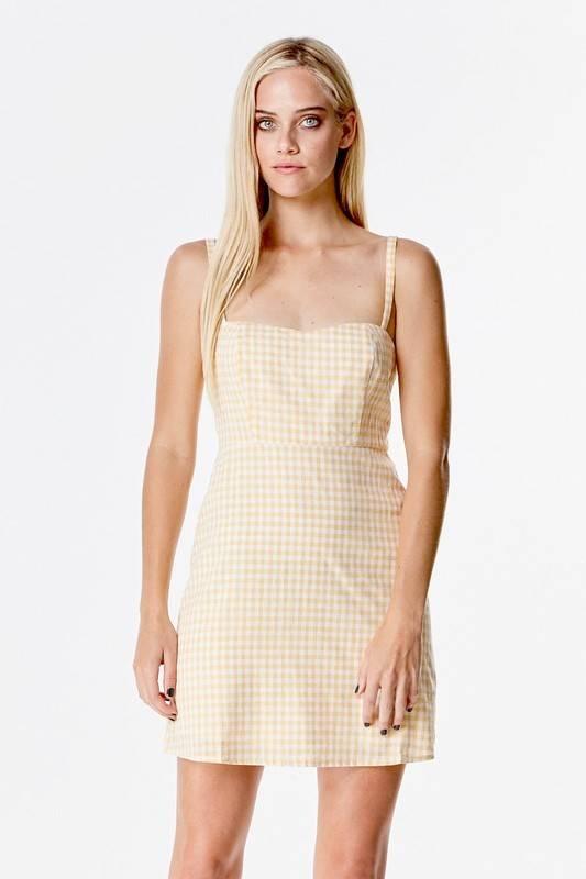Honey Punch 6id1469c gingham apron dress