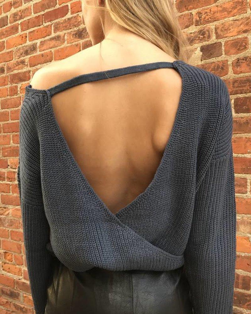 she & sky SL4825  surplice sweater w/ open back