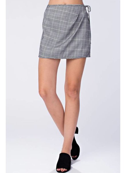 Honey Punch 7IS0732c-2 Mini skirt with tie waist