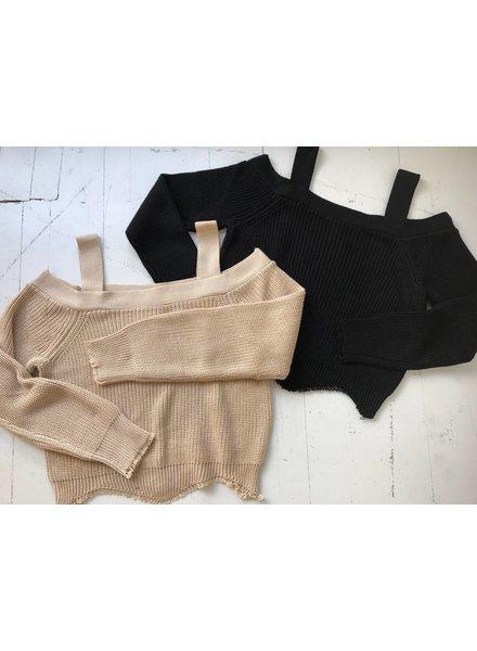 Dance  & Marvel DMW1218 crop sweater w/ scallop hem