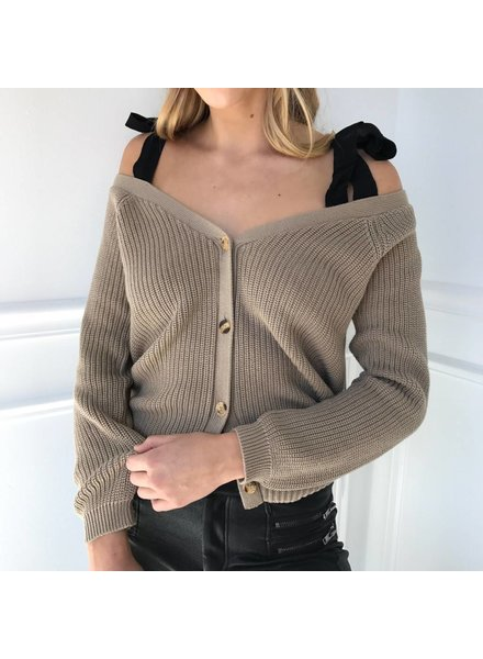 lumiere AT02684 knit cold shoulder w/bow