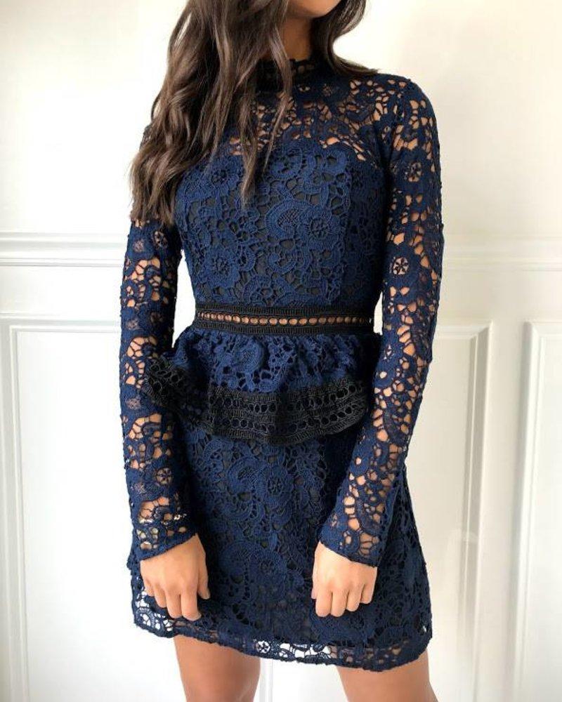 Do & Be GR0032 lace ruffle bottom dress