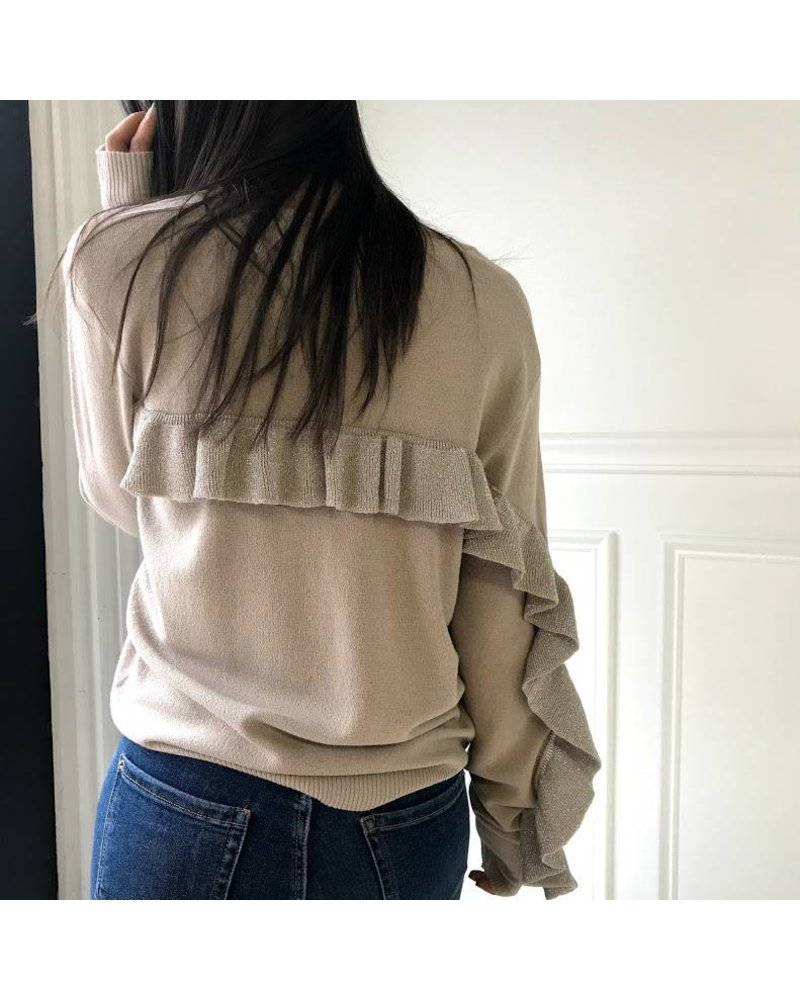 NT17264 long sleeve sweater w/ ruffle details