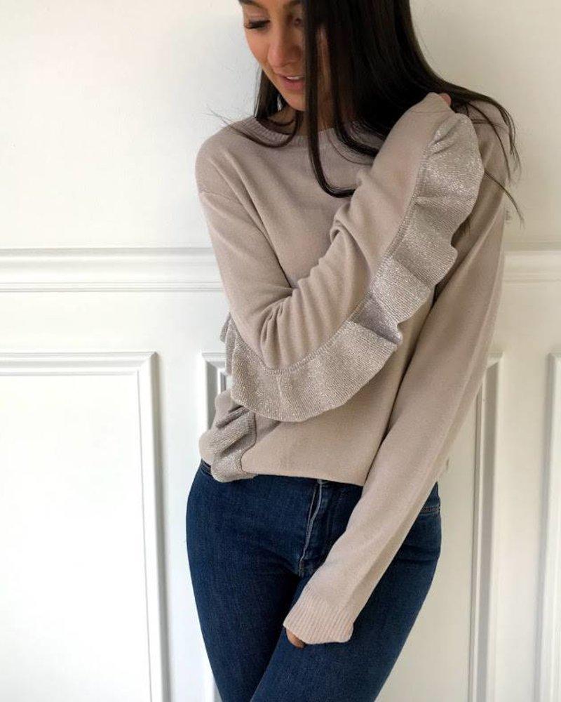 lumiere NT17264 long sleeve sweater w/ ruffle details
