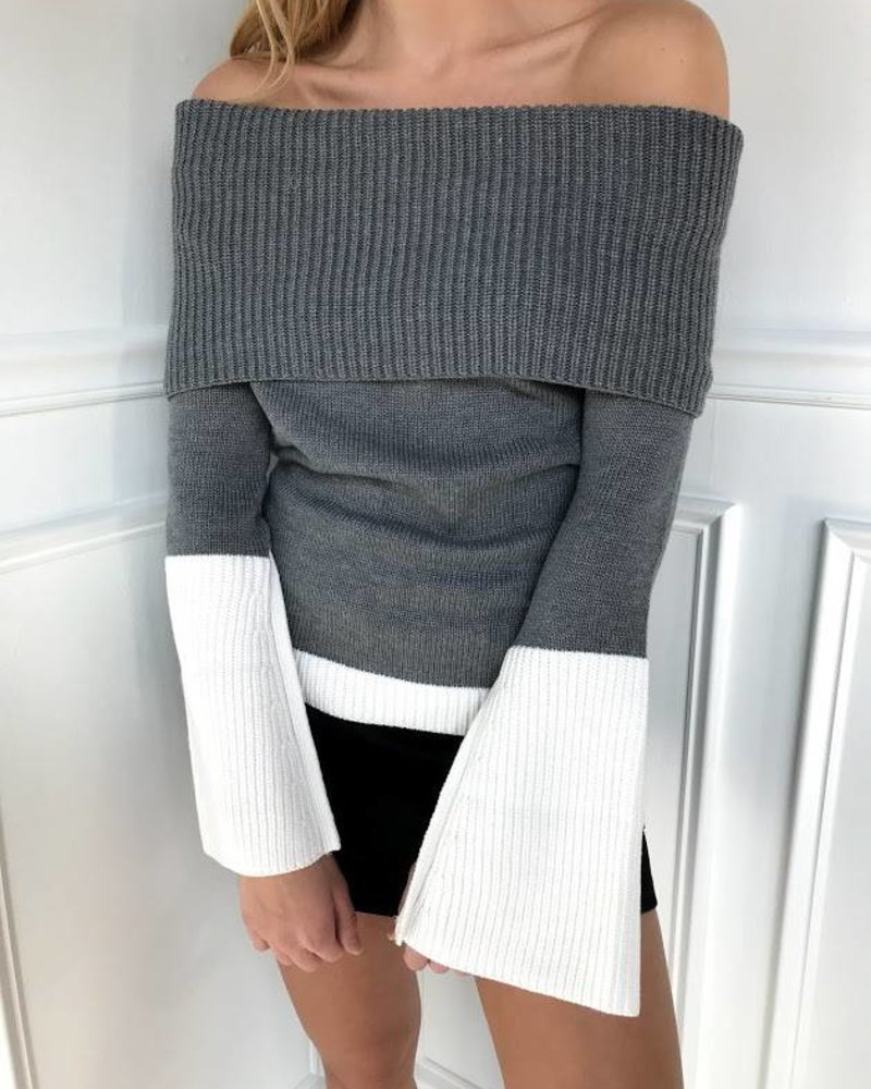 Do & Be r14562 colorblock off shoulder sweater