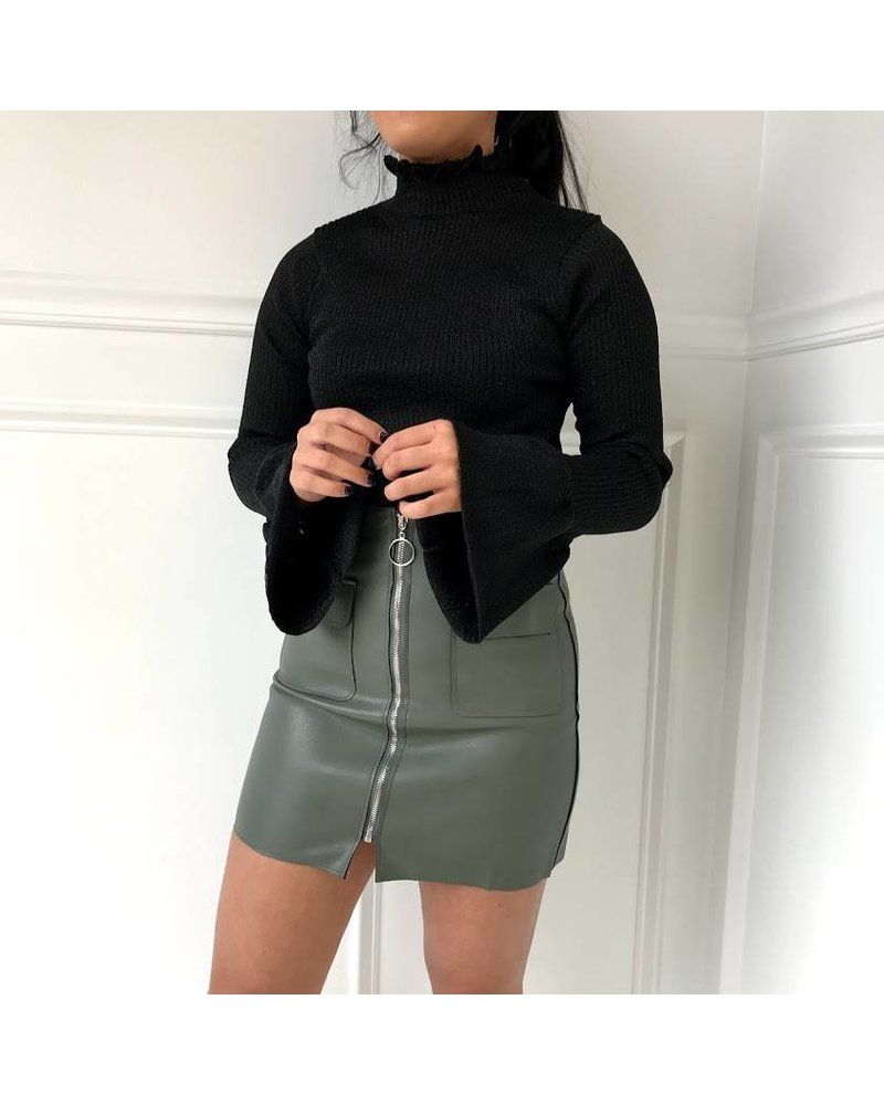 12w1247L ribbed bell sleeve turtleneck