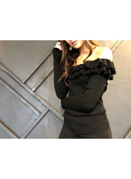 at02821 tiered off shoulder sweater top