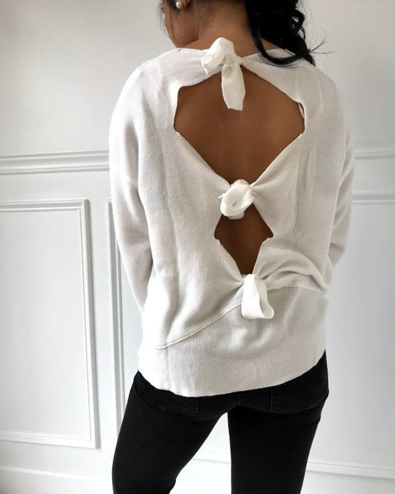 lumiere AT02634 longsleeve knit sweater open ties on back