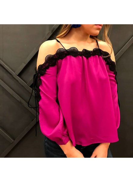 essue LT13052 cold shoulder top