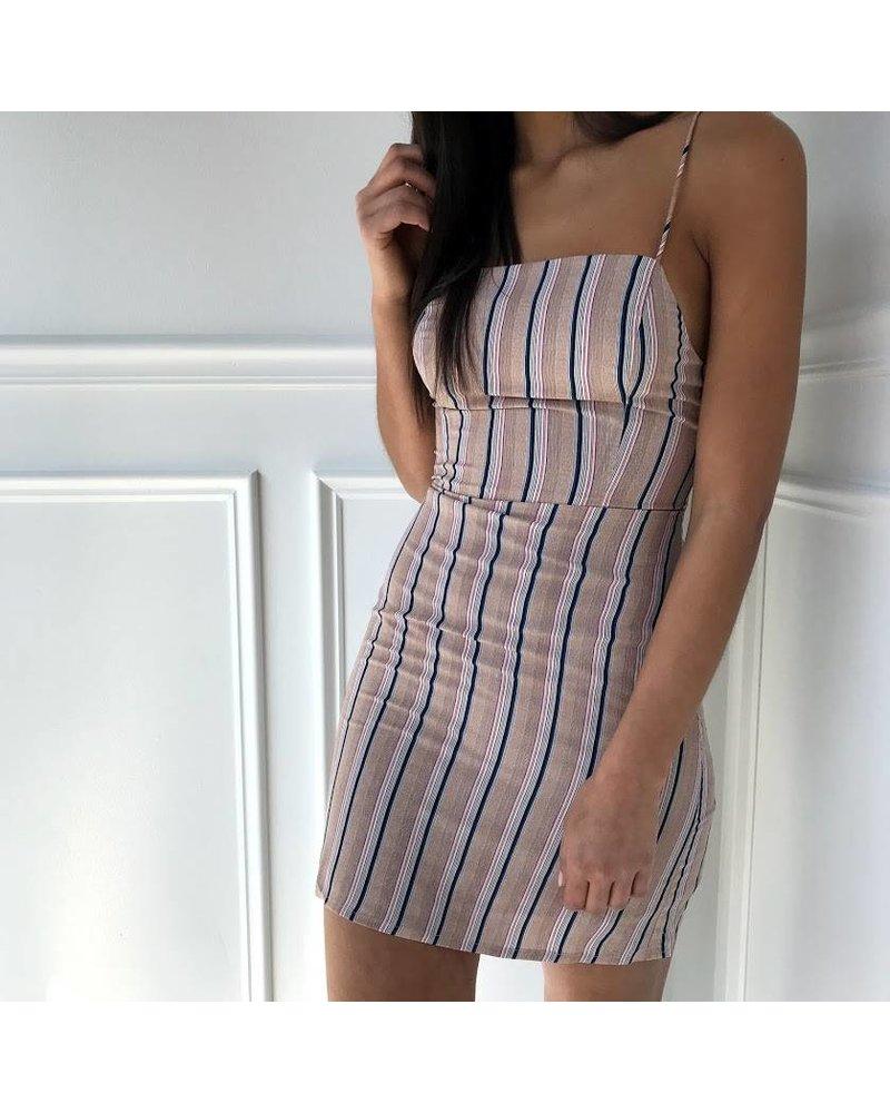 7id3528a top tie stripe dress