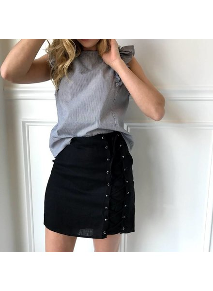 Honey Punch 7is1479rb skirt w/ lace up side