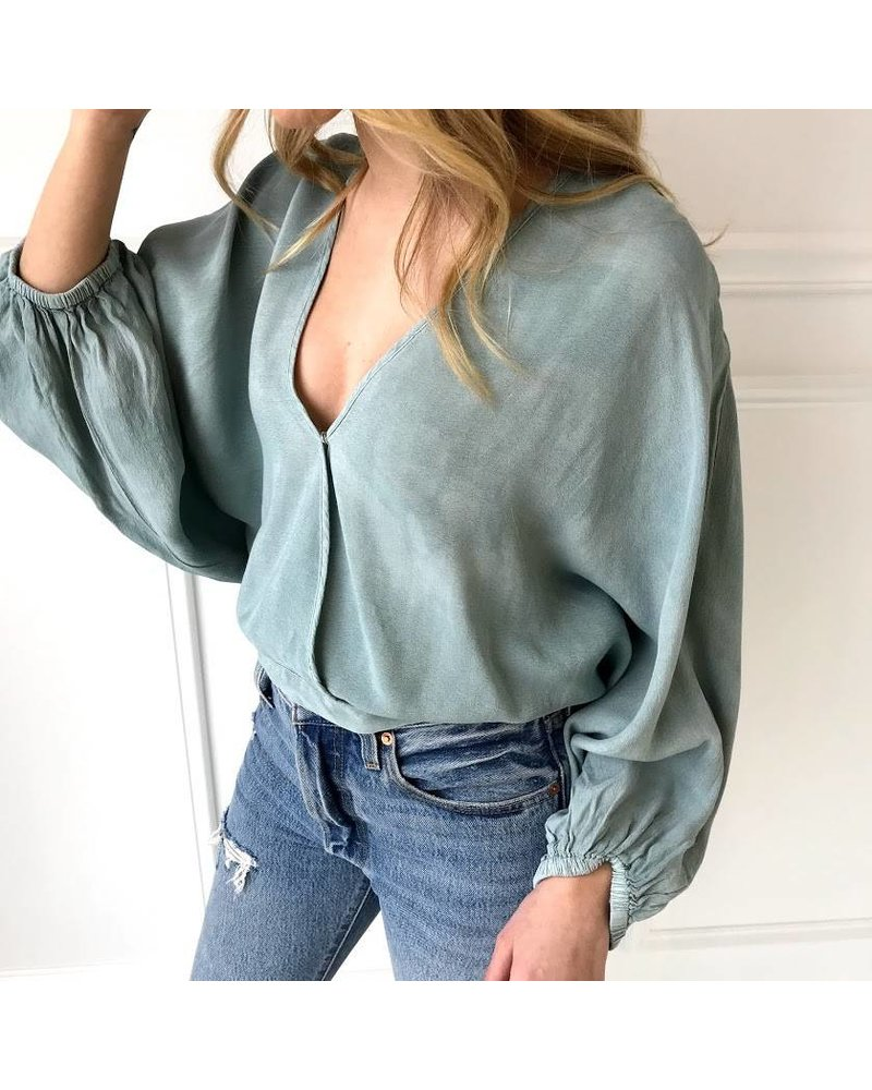 T11930 vneck wrapped top