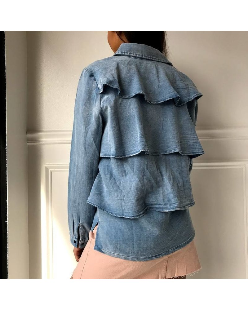 Very J vt13436 ruffle back denim blouse