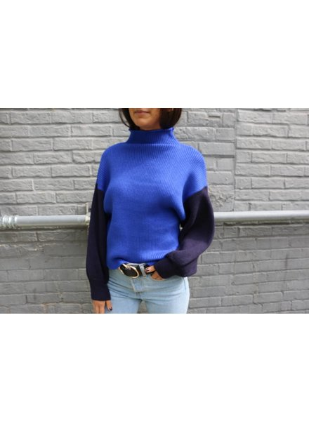 ontwelfth stella sweater