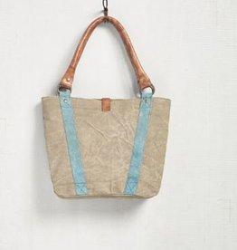 Beckey Handbag