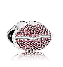 Pandora Jewelry Gift Set Kiss More Lips Charm
