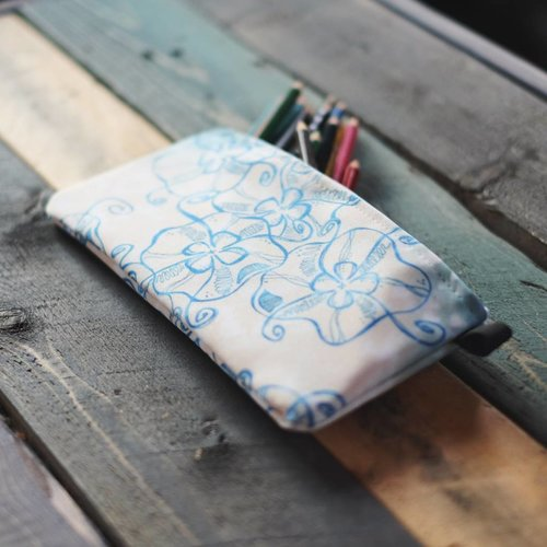 Jellyfish- Zippered Pouch