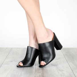 CARRIE FAUX LEATHER MULE