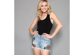 EVA EMBROIDERED CUTOFF SHORTS