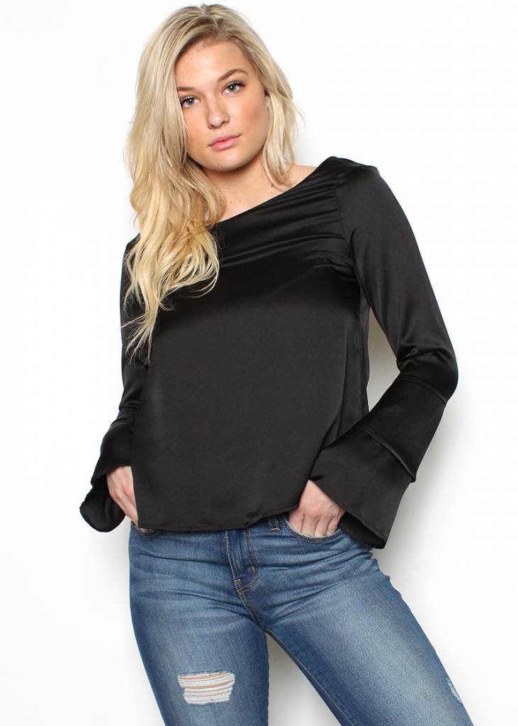 KAYLA TIERED BELL SLEEVE TOP