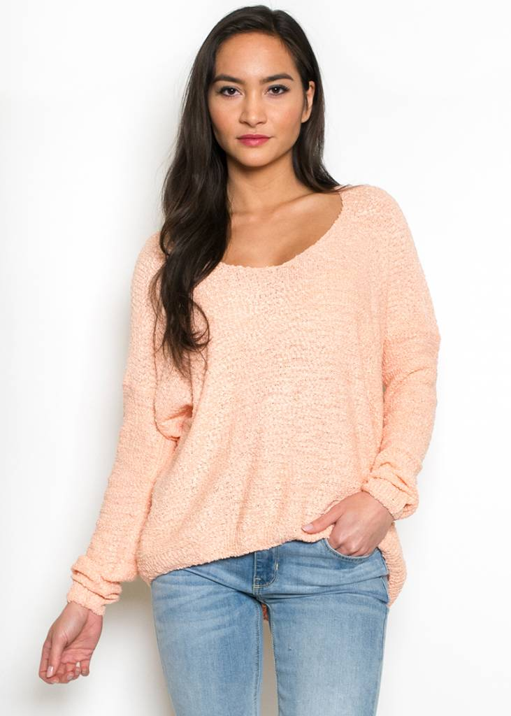 PEACH OVERSIZED SWEATER