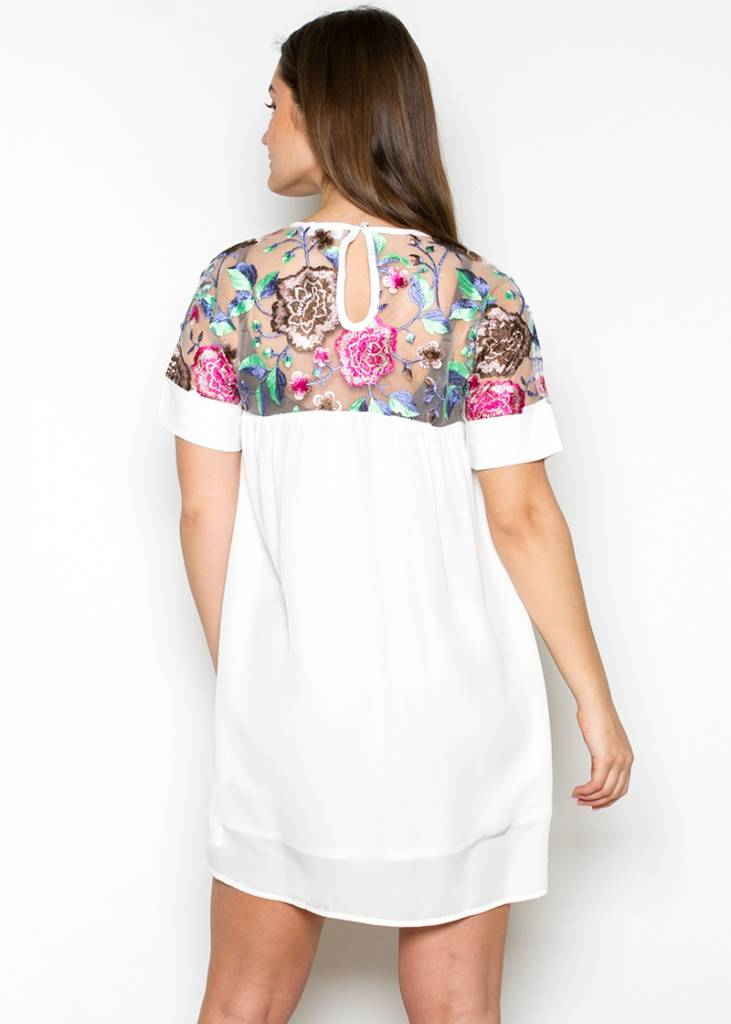GRETA EMBROIDERED SHIFT DRESS