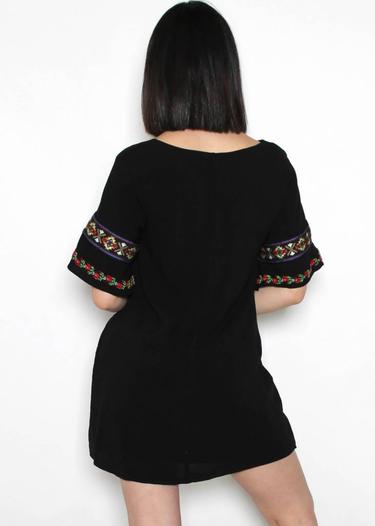 SANGRIA EMBROIDERED DRESS