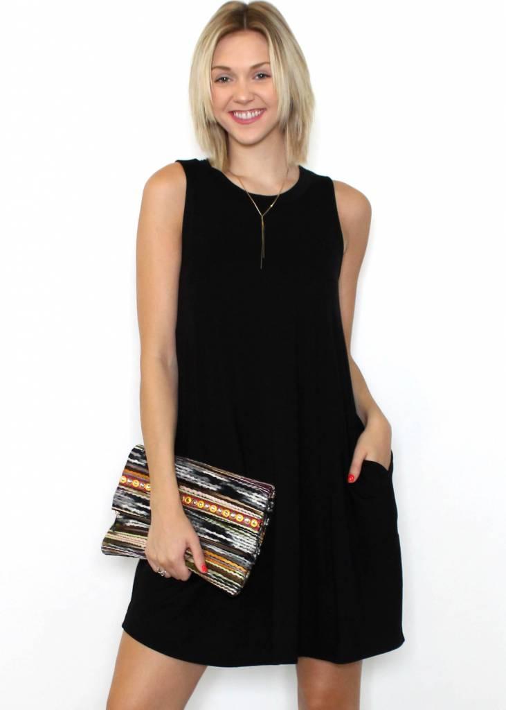 LYLA SLEEVELESS BLACK DRESS