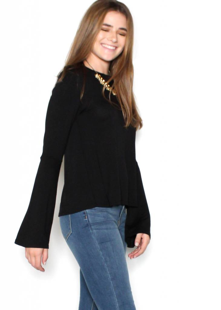 ARIA BELL SLEEVE TOP