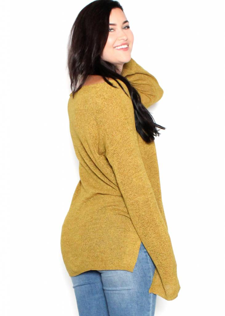 AZALIA OVERSIZED SWEATER