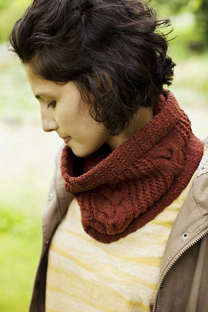 Quinnipiac Lace & Cable Cowl, Sunday, October 1, 15; 1:00-3:00PM