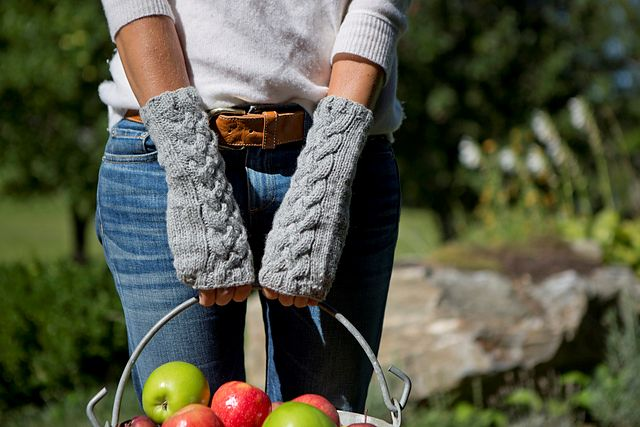 Wool & Co. Feature Pattern of the Week - Celtic Mitts