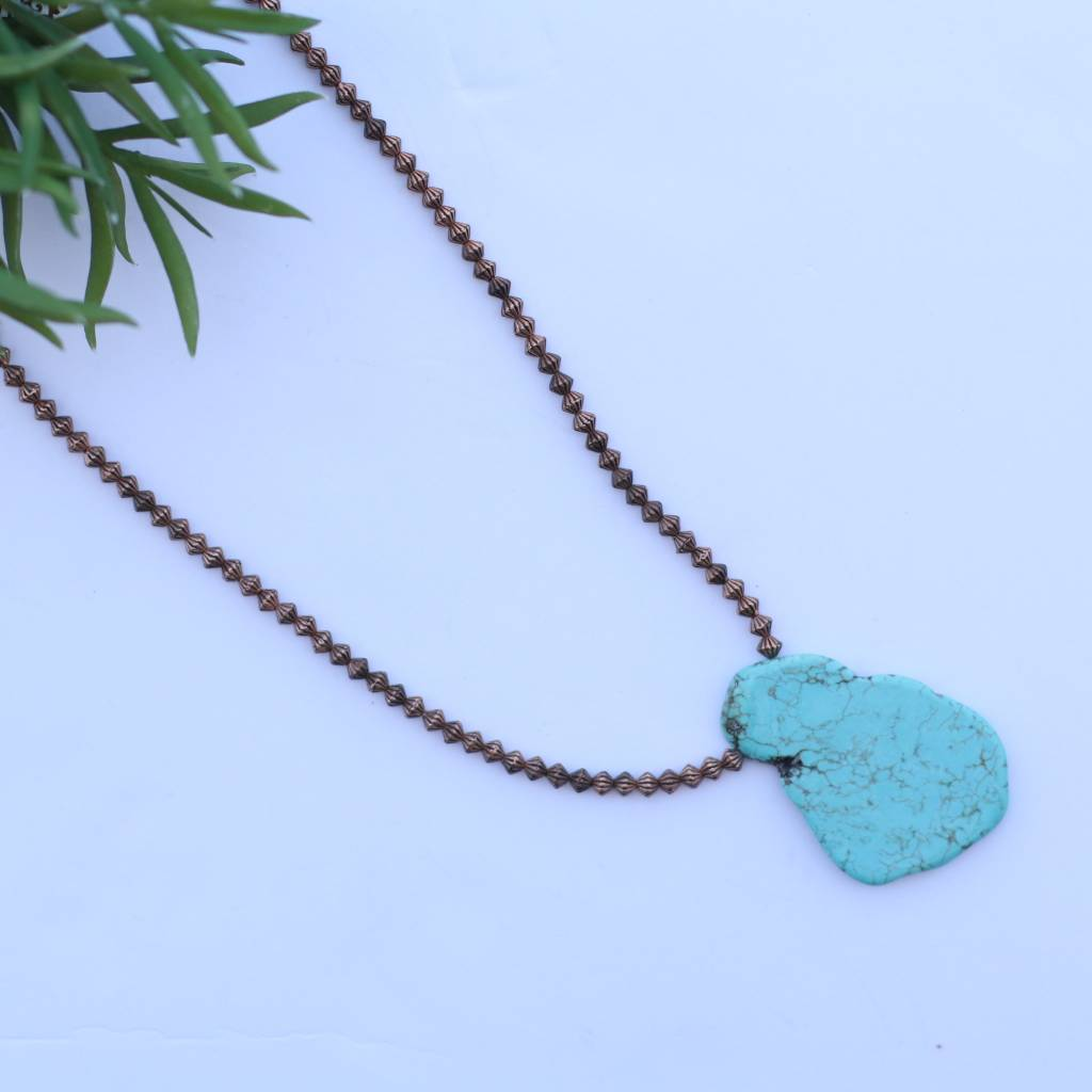 "15"" Flat Turquoise Chunk Stone Necklace with Copper Beads"
