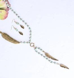 Punchy's Mint Sparkle Bead Necklace Set with Gold Feathers
