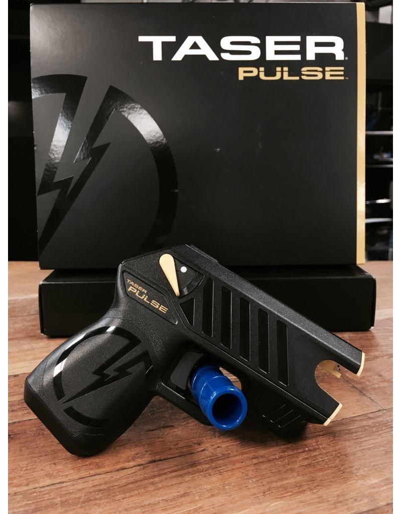 Defense Laser/LED, 2 cartridges, Holster, LPM and Target