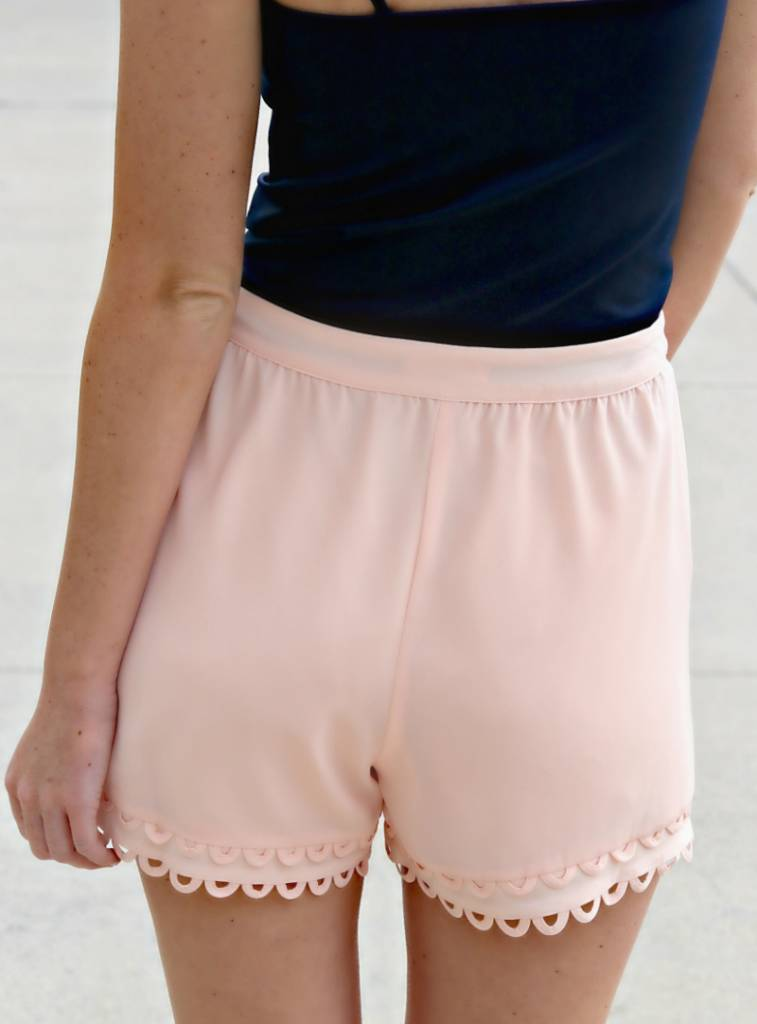 EVERYTHING'S PEACHY SHORTS