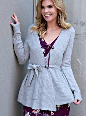 A COZY WELCOME CARDIGAN