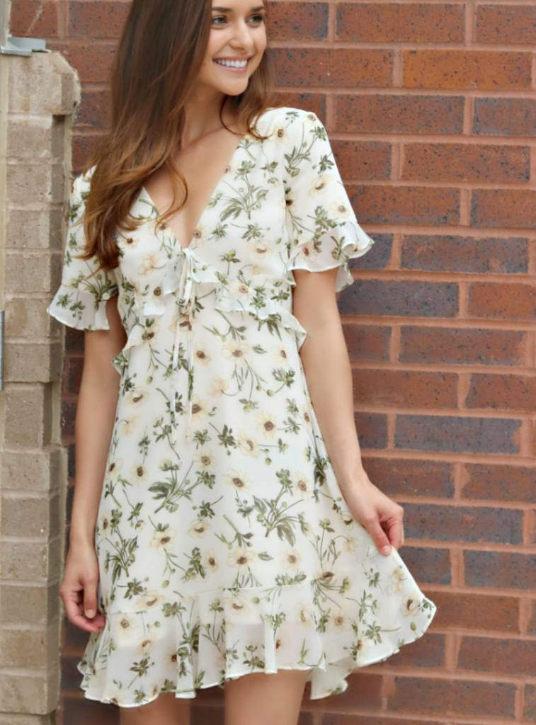 AN ETHEREAL FLOWER DRESS
