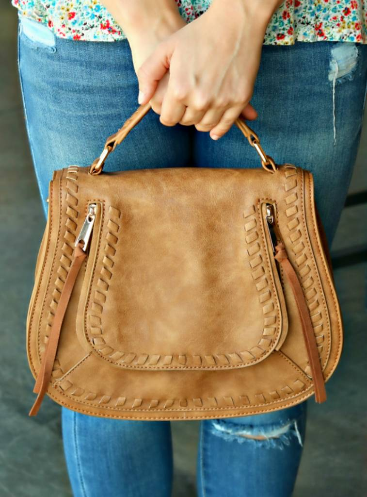 FAUX LEATHER VEGAN CROSSBODY BAG